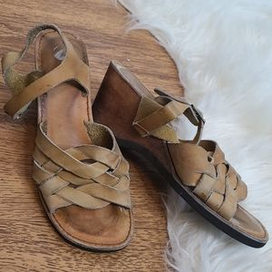 Vintage leather strappy wood wedge sandals 9
